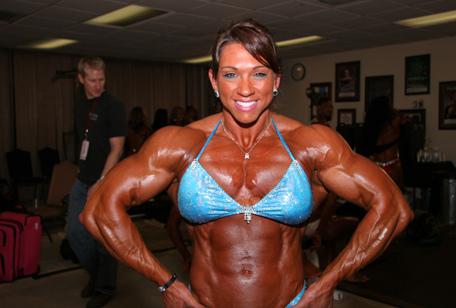 women-bodybuilder-01